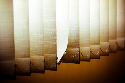 5 tipos de persianas para tu hogar rieles ayllon - Tipo de persianas ...